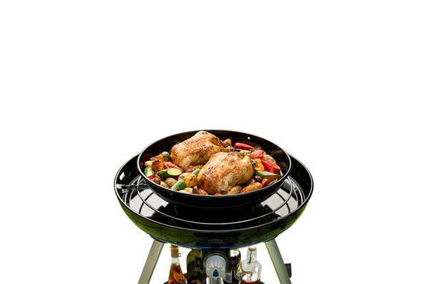 "Grillplade ""Cadac Roast Pan"" anvendes med cadac carri chef 2"