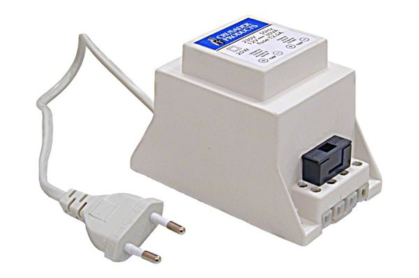 LIlle, kompakt omformer 230 V til 12 V
